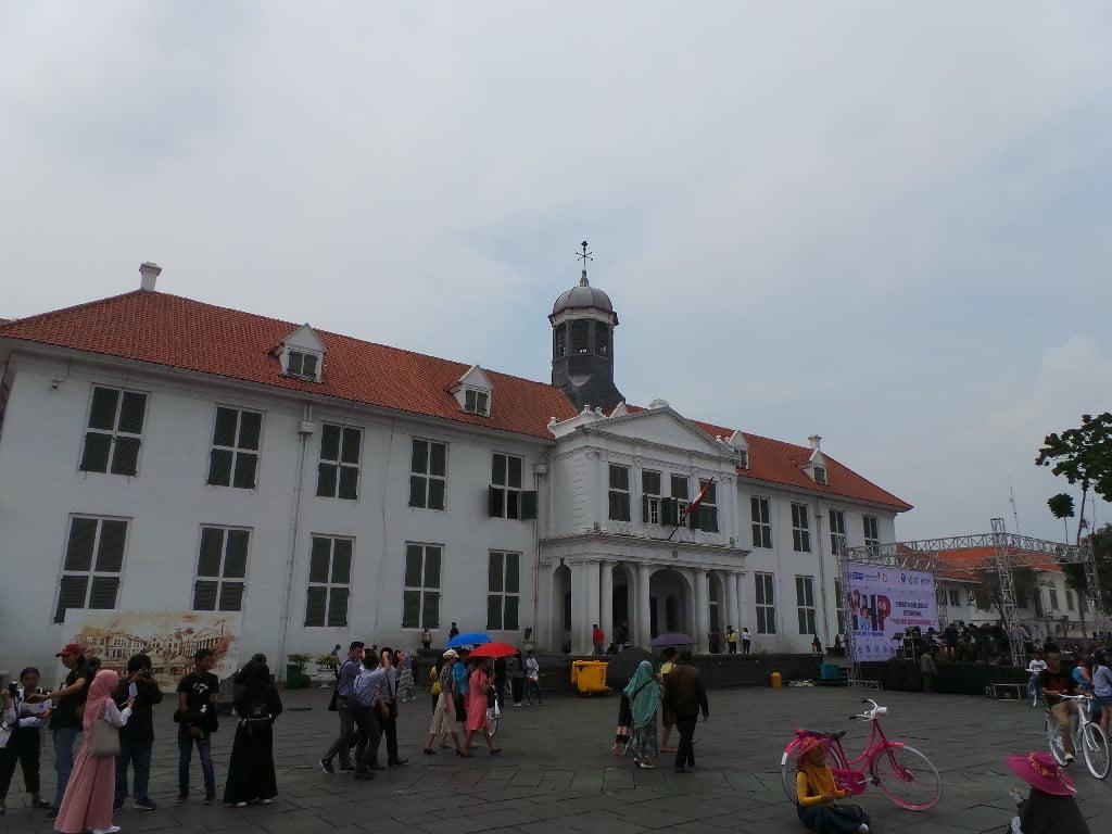 Cakarta'nın tarihi Kota Tua meydanı